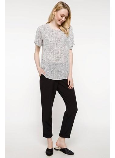 DeFacto Kolları Volan Detaylı Desenli Bluz Beyaz